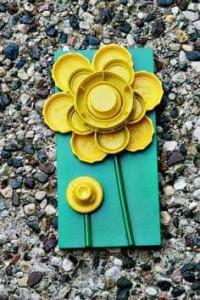 şişe_kapaklarından_çiçek