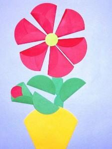 daire_kağıtlardan_vazo_çiçek