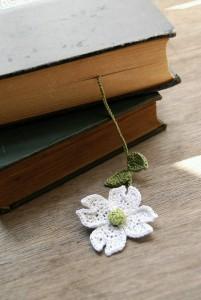 el örgüsü kitap ayraçları papatya modeli