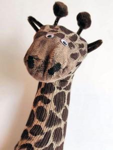 çoraptan zürafa kuklası yapımı