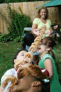 çocuklarla birlikte açık havada oyunlar (1)