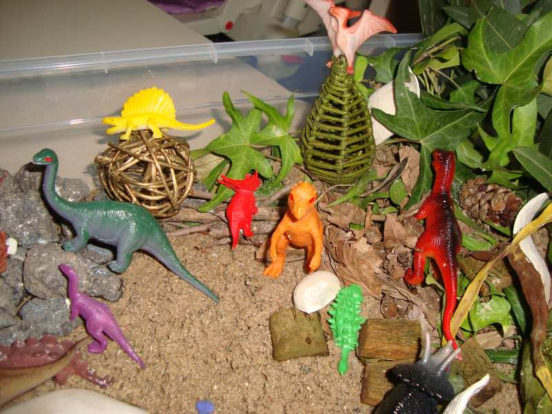evde montessori dinozor duyusalı