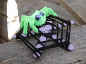 ponpondan_örümcek_yapımı