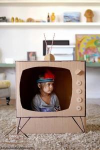 kartondan oyuncak televizyon yapımı