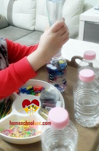 bebekler için duyusal şişe yapımı